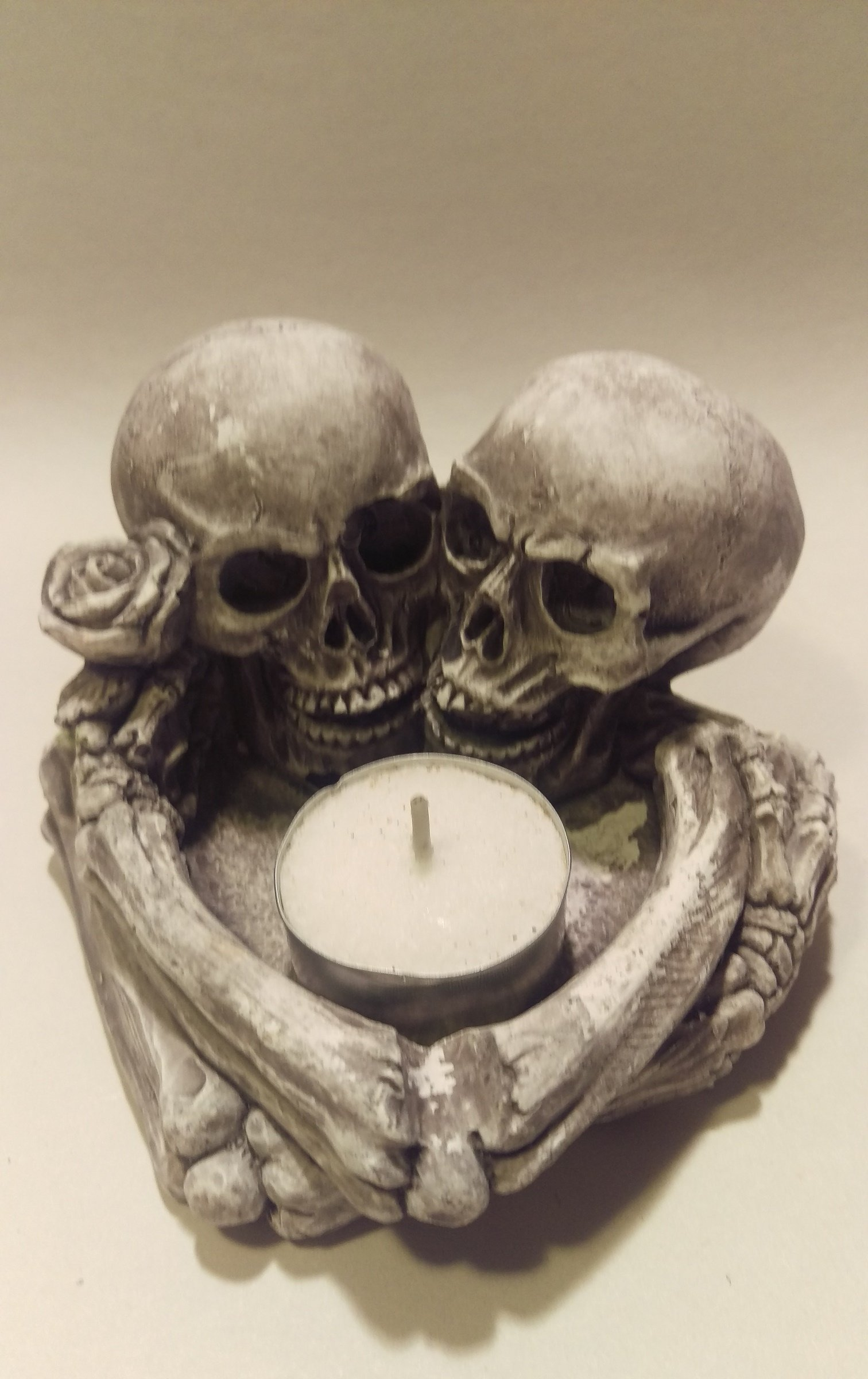 Skull Lovers Embrace tealight Candle holder