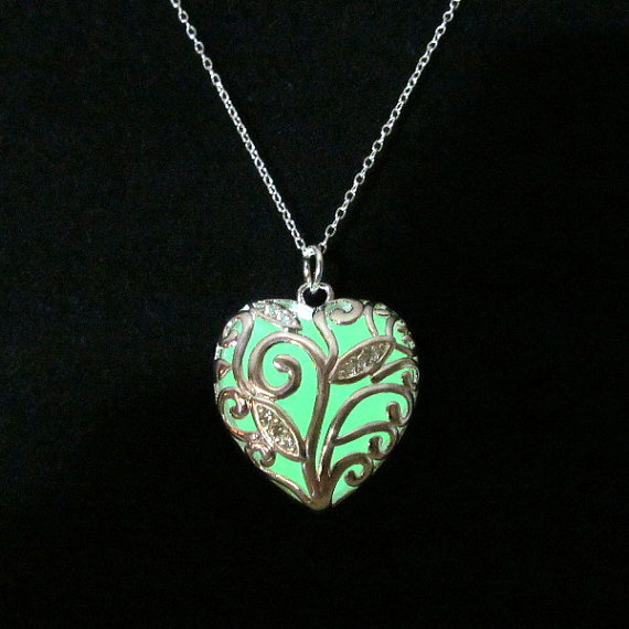 Glow In Dark Hollow Heart Shaped Green Light Pendant Necklace